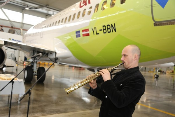 JekabsonsDotCom_airBaltic_plane_OlympicGames_Sotchi_2014_01_DelfiFoto_03