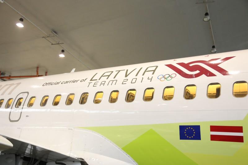 JekabsonsDotCom_airBaltic_plane_OlympicGames_Sotchi_2014_01_DelfiFoto_04
