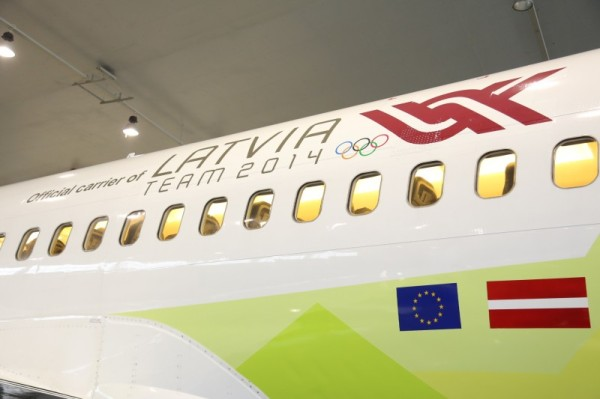 JekabsonsDotCom_airBaltic_plane_OlympicGames_Sotchi_2014_01_DelfiFoto_05