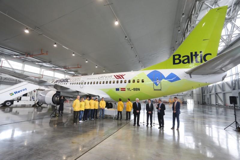 JekabsonsDotCom_airBaltic_plane_OlympicGames_Sotchi_2014_01_DelfiFoto_08